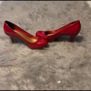 Madden Girl Getta Red Pump Size 10